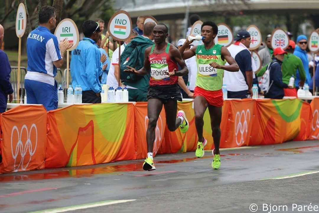 Kipchoge arrived at the water station and to his surprise, there was no water for him