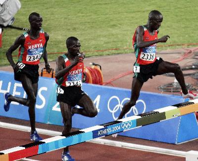 Kemboi win Olympics 2004